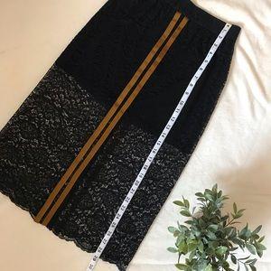 NWT✏️Zara Lace Pencil Skirt  Size XS